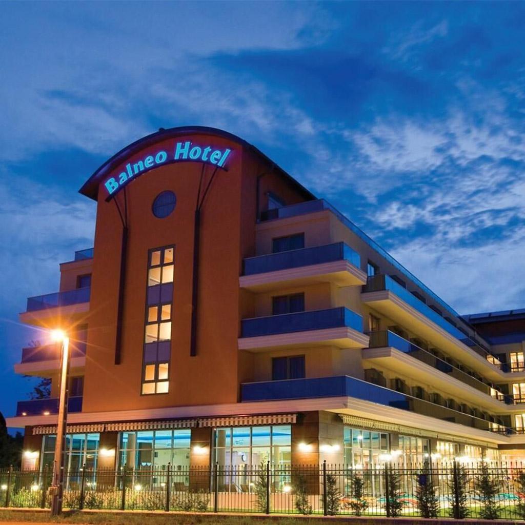 Hotel adatbázis (335 db)
