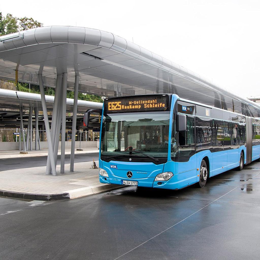 Buszpályaudvar adatbázis (170 db)