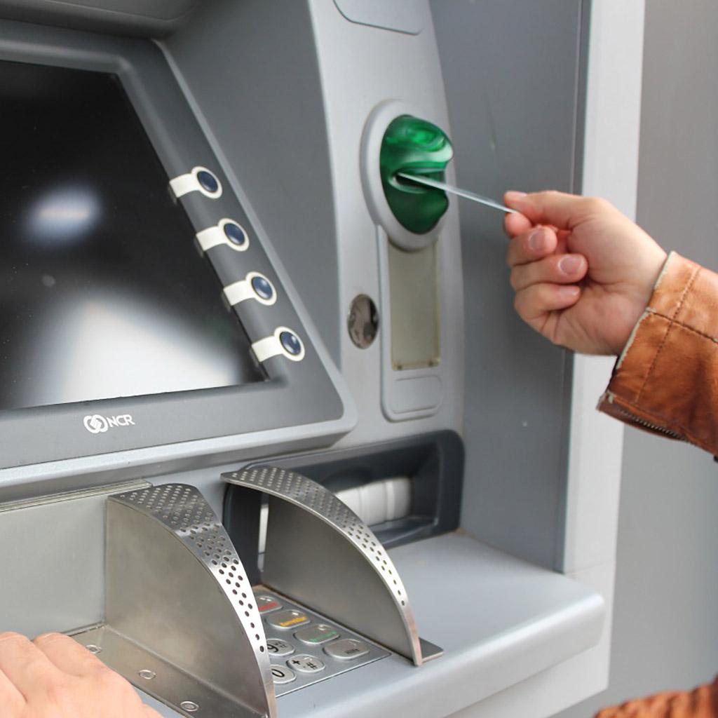 ATM adatbázis (7066 db)