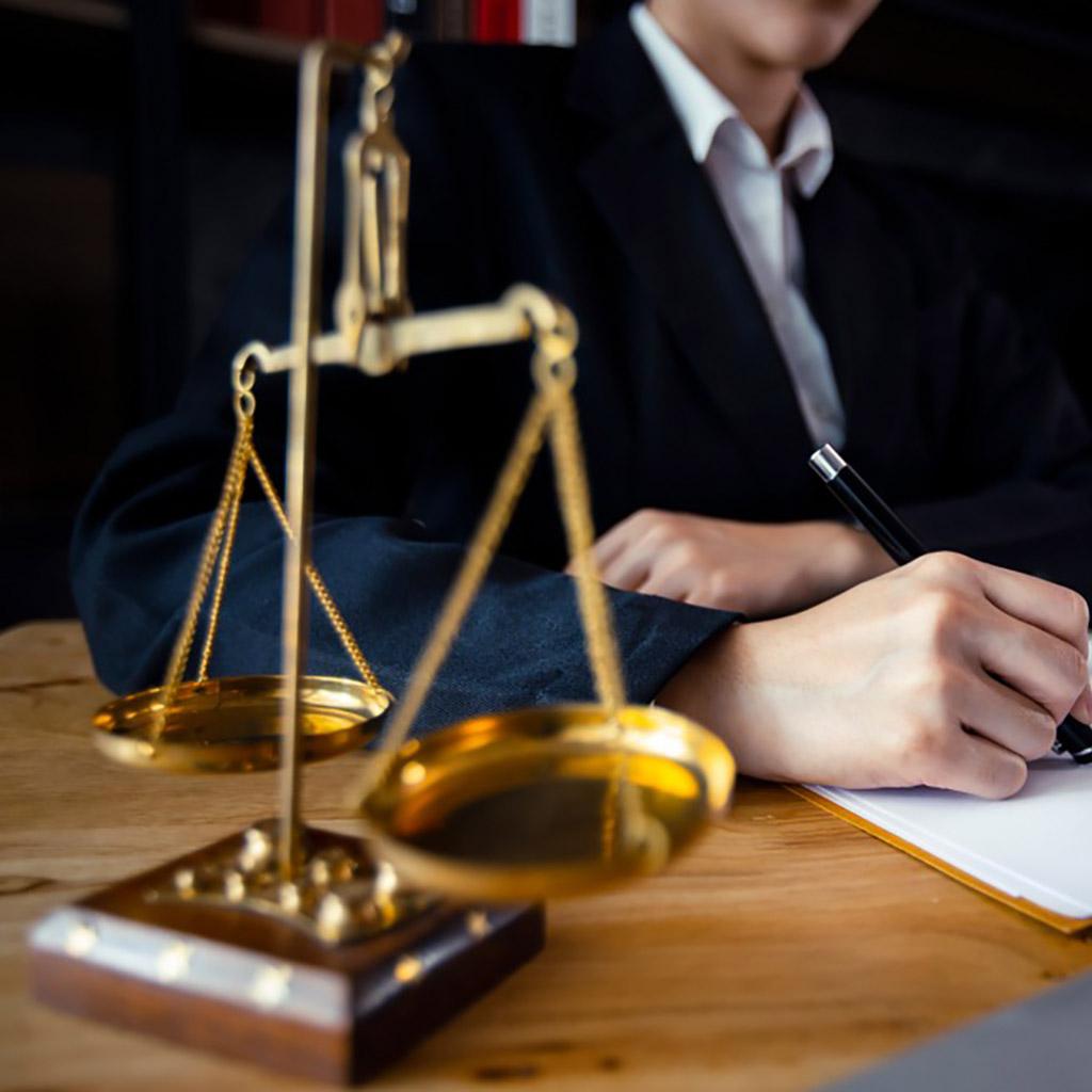 Ügyvéd adatbázis (11417 db)