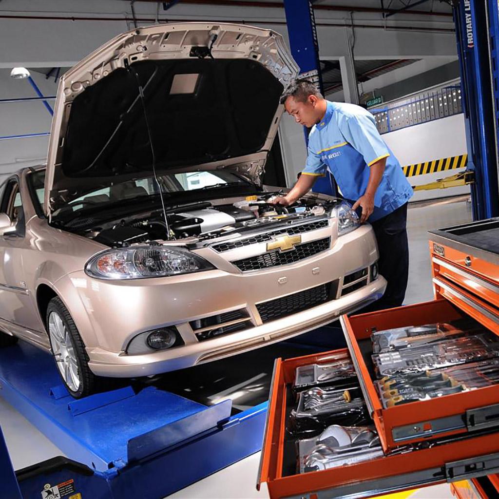 Autószerelő/Autószerviz adatbázis (2055 db)