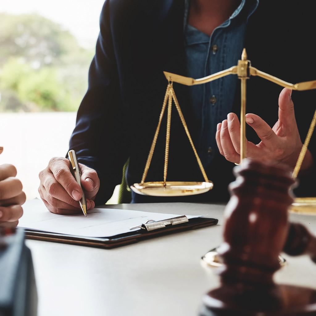 Ügyvédi iroda adatbázis (15 503 db)