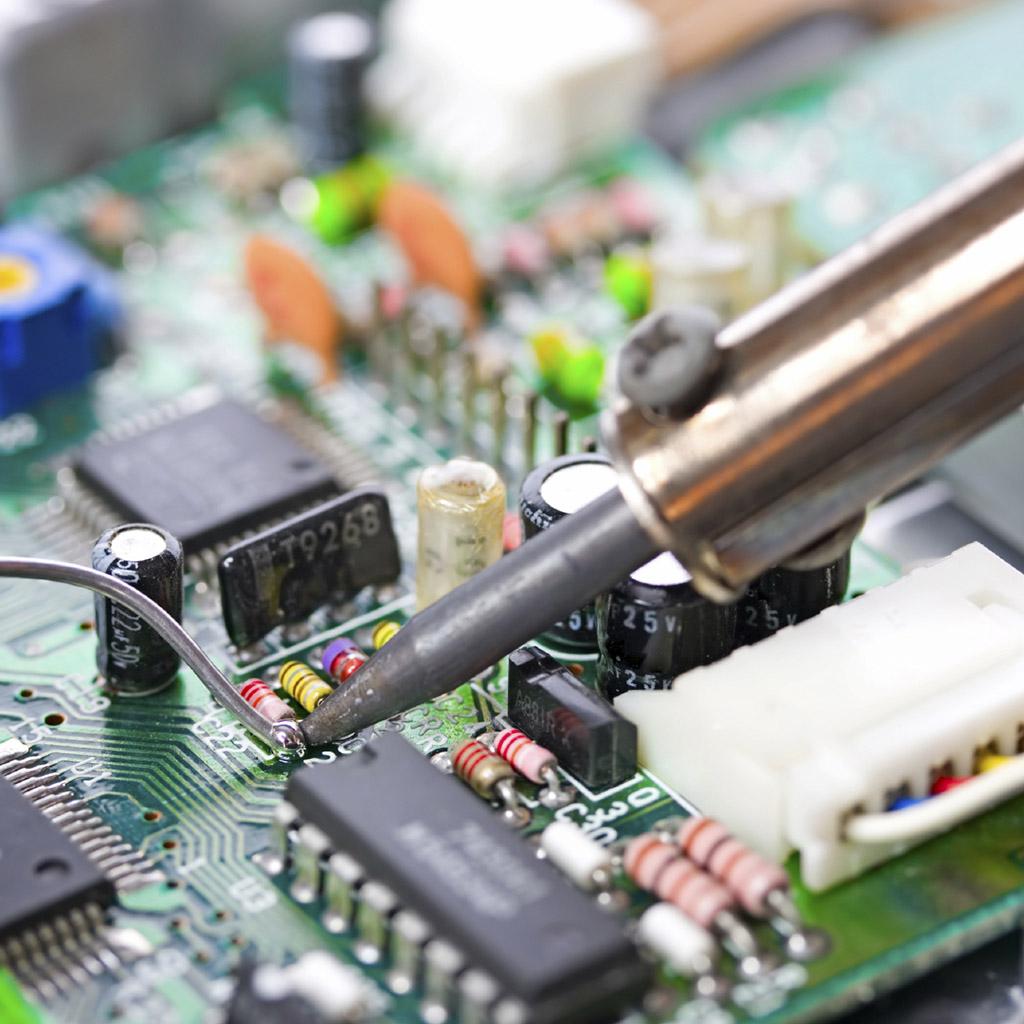 Elektronikai cégadatbázis (1295 db)